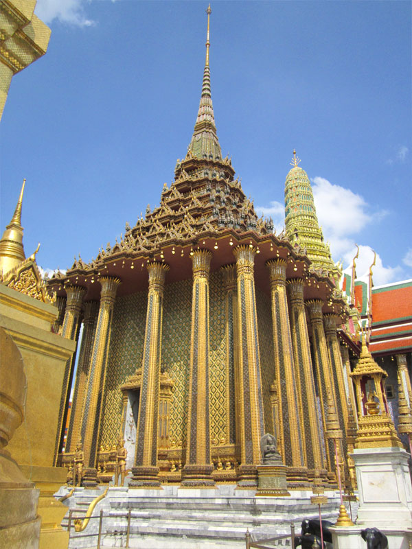 the-grand-palace-bangkok-thailand-01