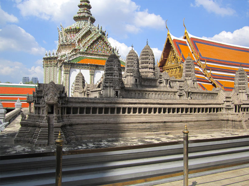 the-grand-palace-bangkok-thailand-03