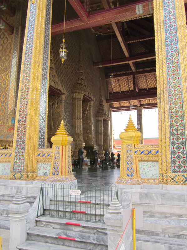 the-grand-palace-thailand-02